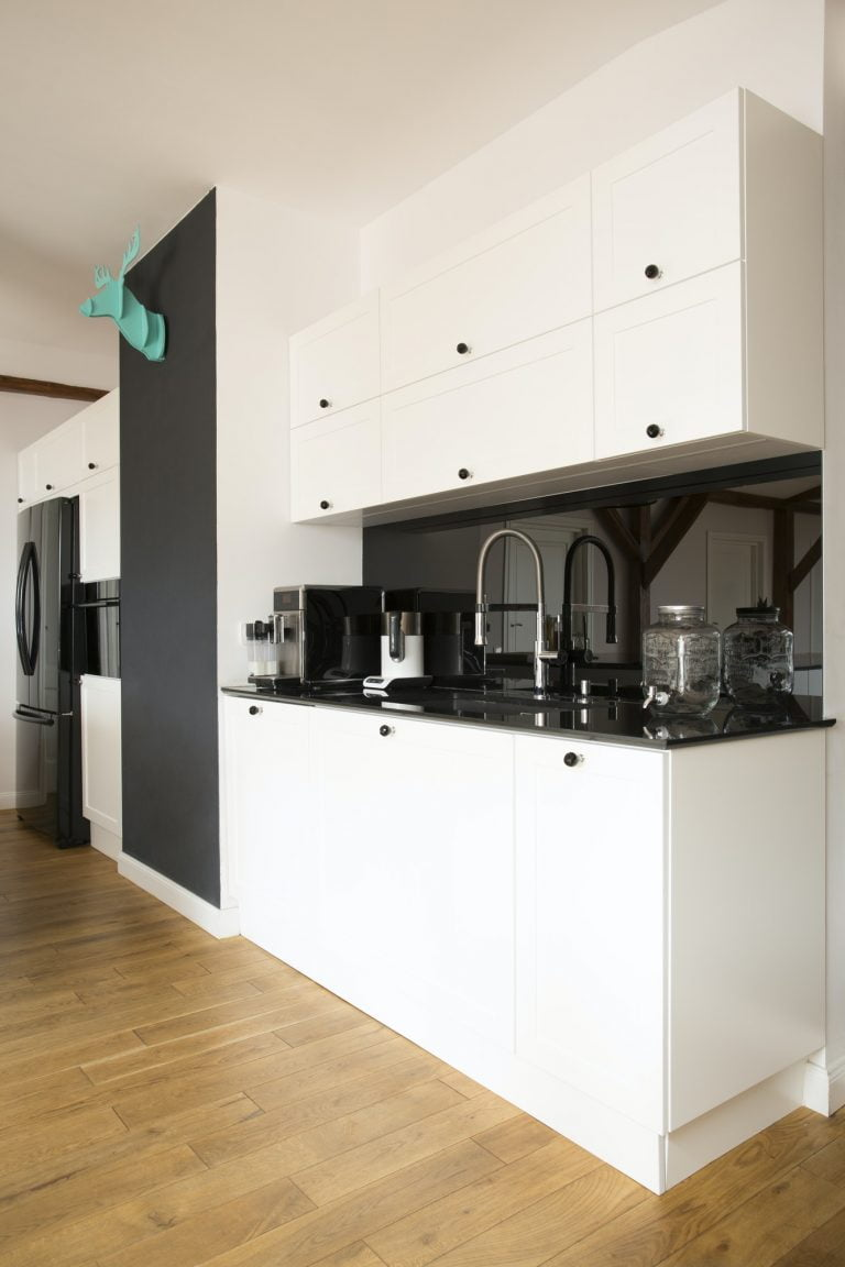 Side view of kitchen